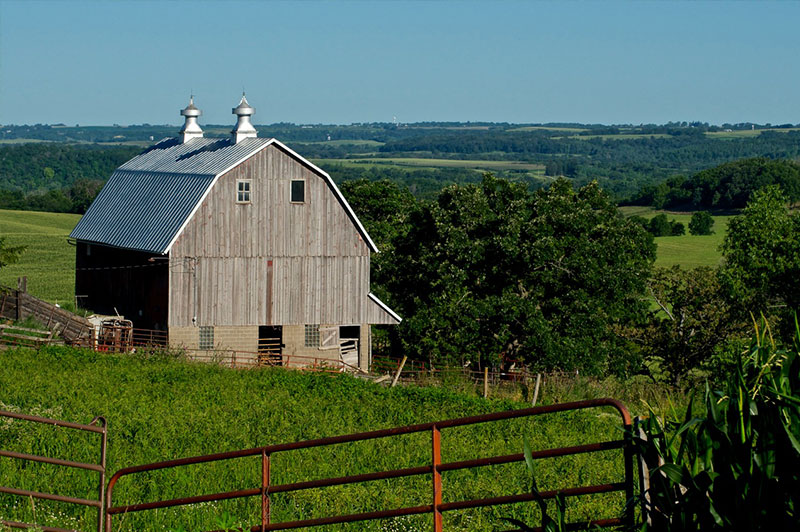 Fillmore County Barn, MN | Northview Bank | Vacation Property Loans