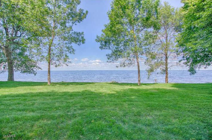 Mille Lacs Lake frontage and Channel Slip - Best of both worlds